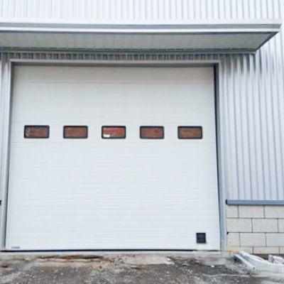 工业提升门7大优势,让你的厂房更安全